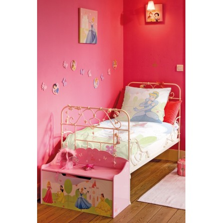 fresque murale disney rebelle avec sa famille panoramique papier peint poster g ant. Black Bedroom Furniture Sets. Home Design Ideas