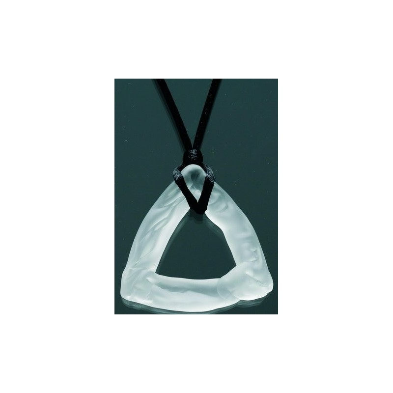 Collier pendentif delta