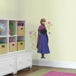 """Stickers géant Reine des Neiges """"Frozen"""" Anna avec cape"""