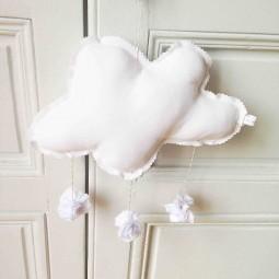 Mobile nuage et  pompons blanc